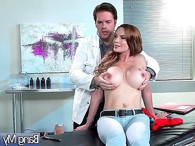 Doctor Seduced And Hard Bang Horny Patient Diamond Foxxx video