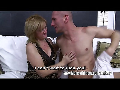Blonde Stepmom Has Sex With Horny Dude