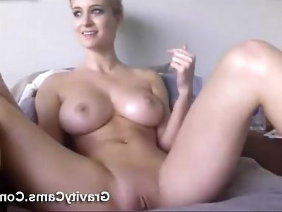 MILF playing With A Smoking Hot Body
