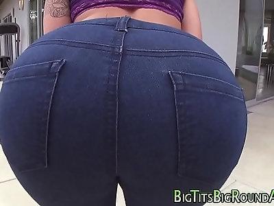 Sexy bigassed babe nailed